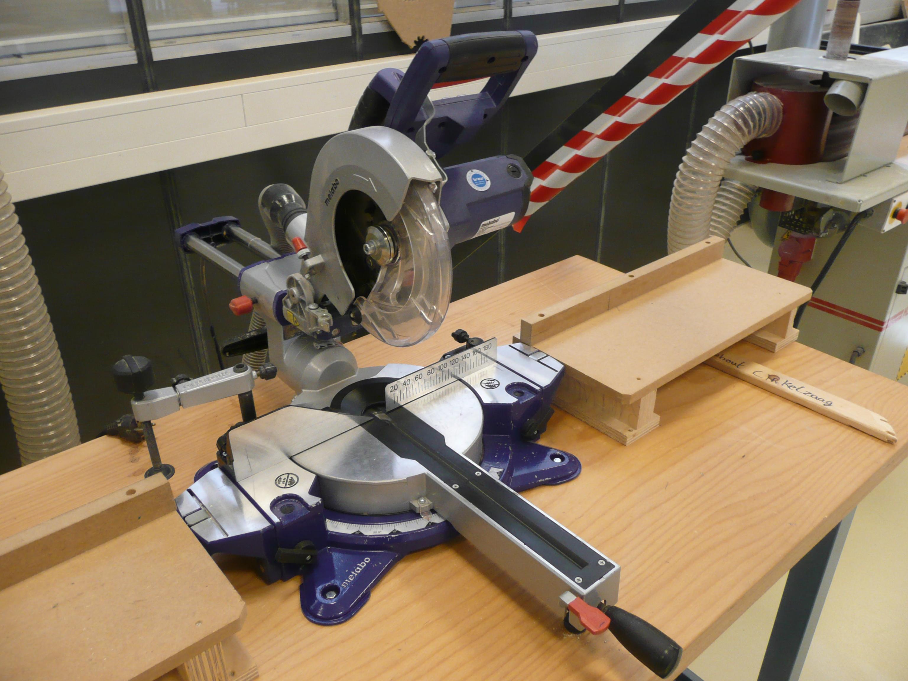 Cirkelzaag rdm makerspace - Metabo kgs 216 m ...